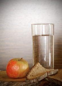 Inilah Sejuta Manfaat Diet Alami dengan Air Putih